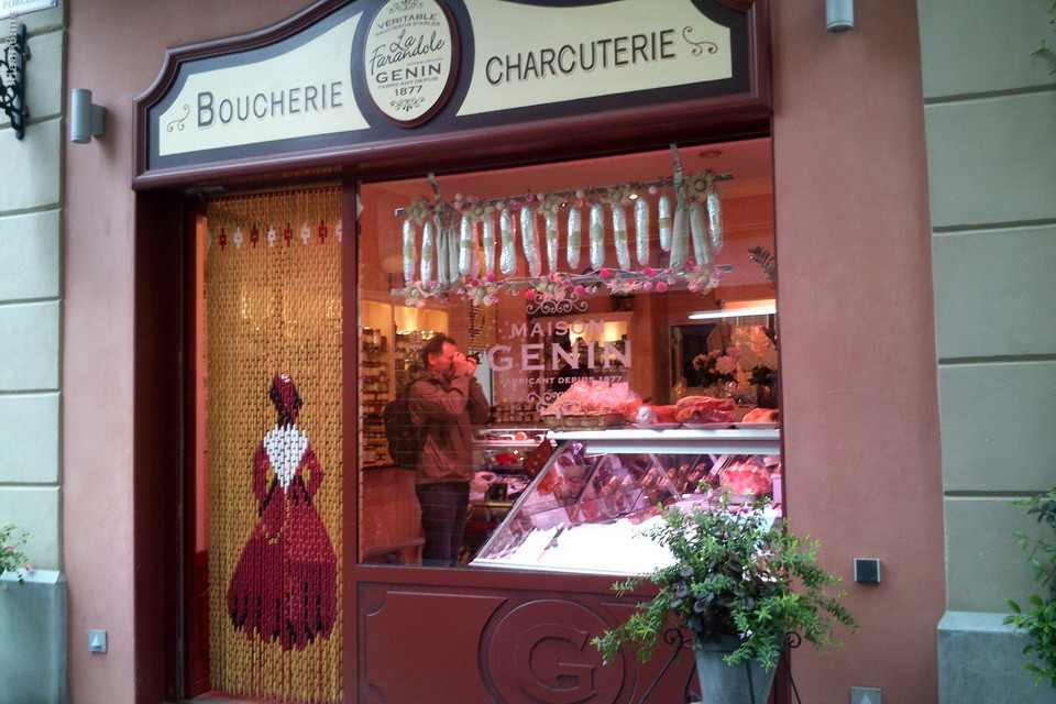 Butique de carne. Ótimo salame. Arles.