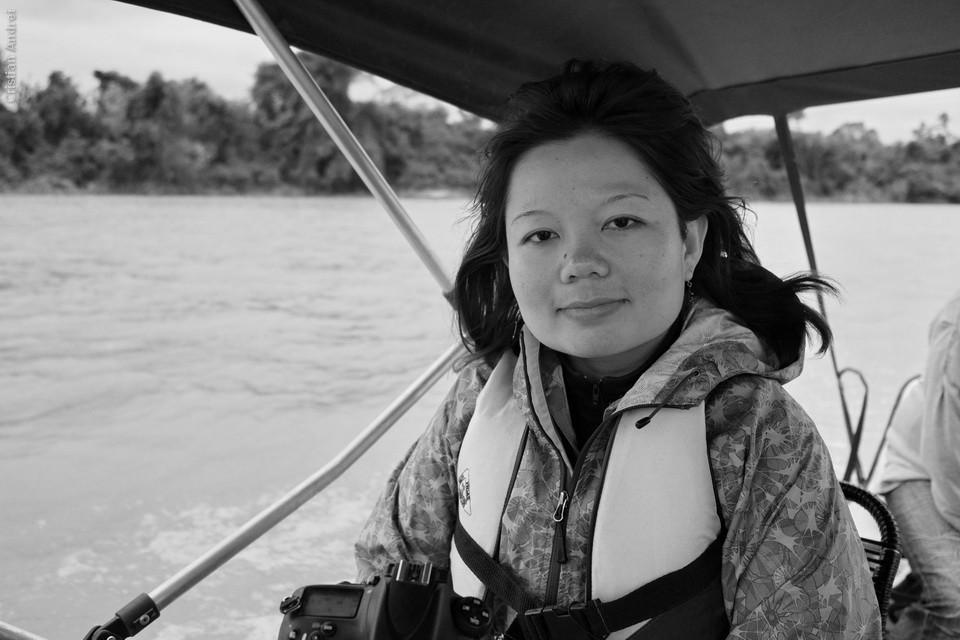 Claudia Komesu, sorrindo, mas congelando. Pegamos aquela frente fria que fez nevar em Curitiba. 10 graus em Poconé. No rio sensação de mais frio ainda.