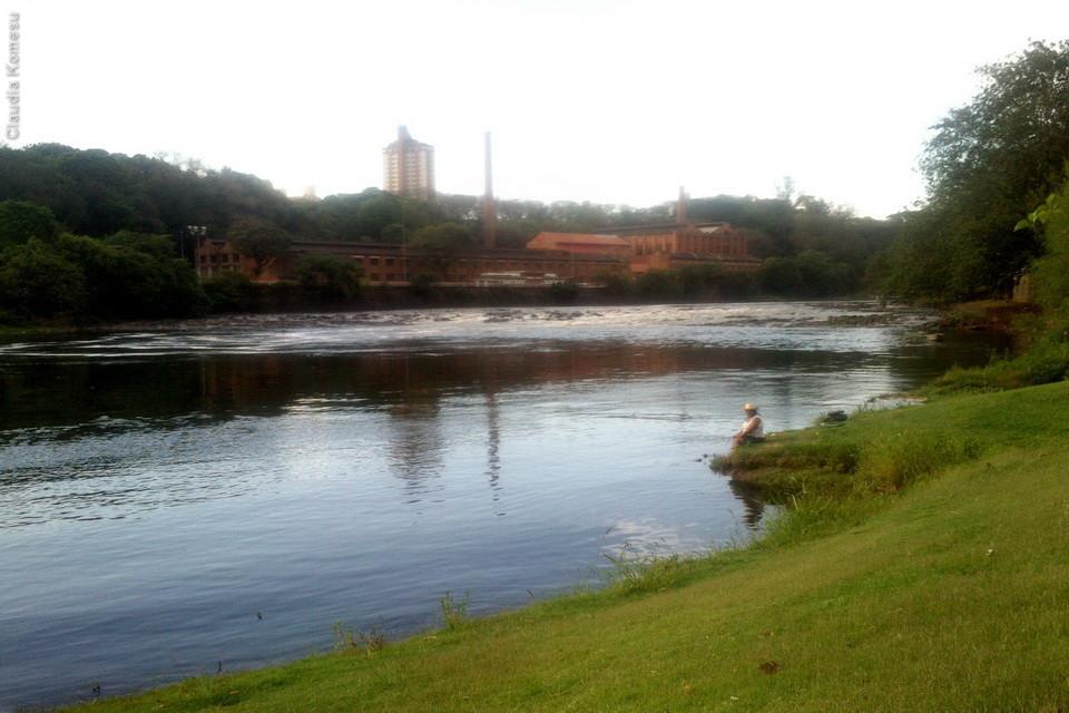 Bucólica margem do rio