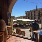 Em Trujillo, fugimos dos lugares que pareciam armadilha pra turista e entramos num que parecia taverna